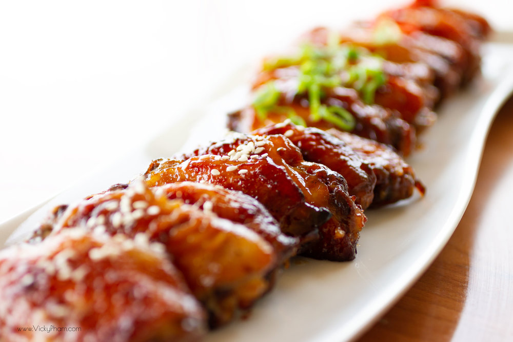 Oven-Baked Sriracha Honey Chicken Wings