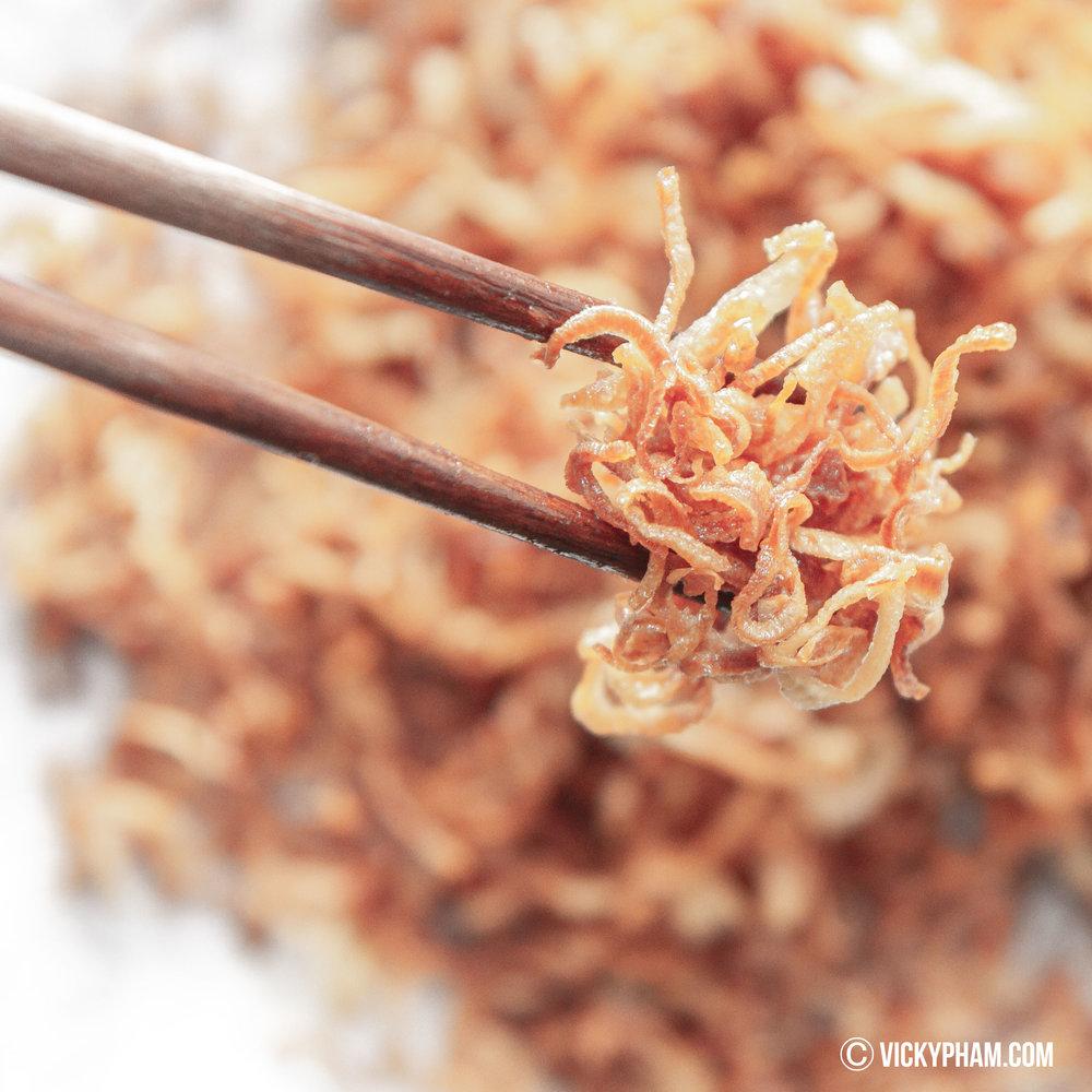 Fried Shallots (Hanh Phi)