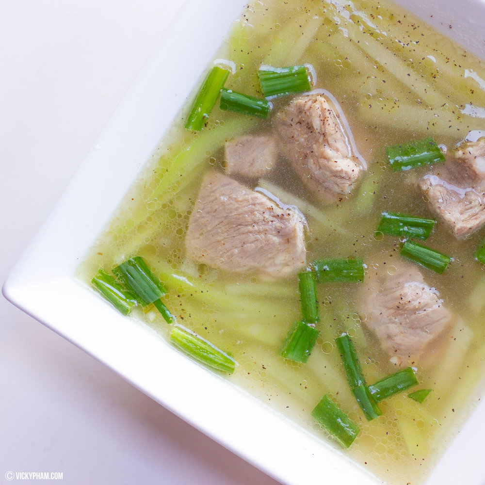 Vietnamese Pork Spare Rib Soup with Chayote (Canh Suon Nau Su Su)