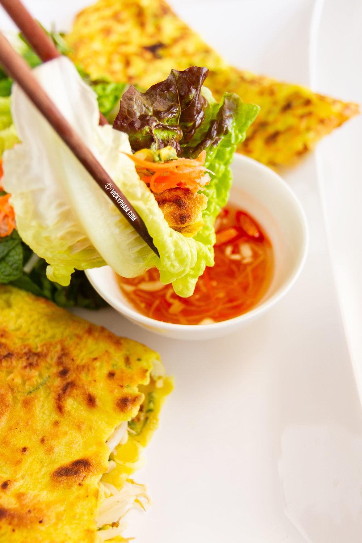 Vietnamese Sizzling Crepe / Pancake (Banh Xeo)