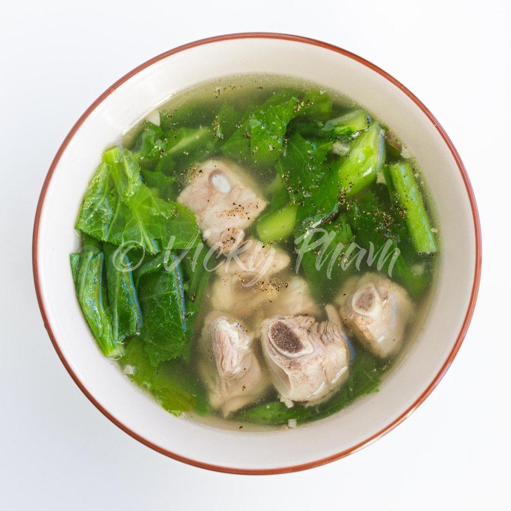 Vietnamese Mustard Green Soup (Canh Cai Be Xanh)