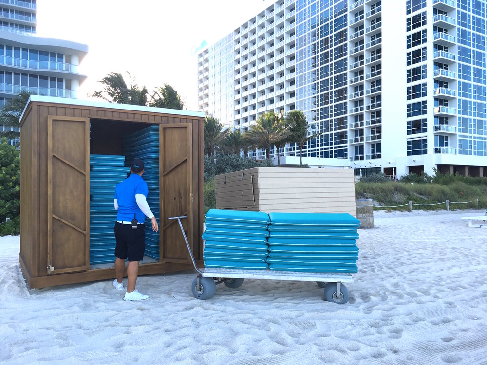 beach cart loading .jpg