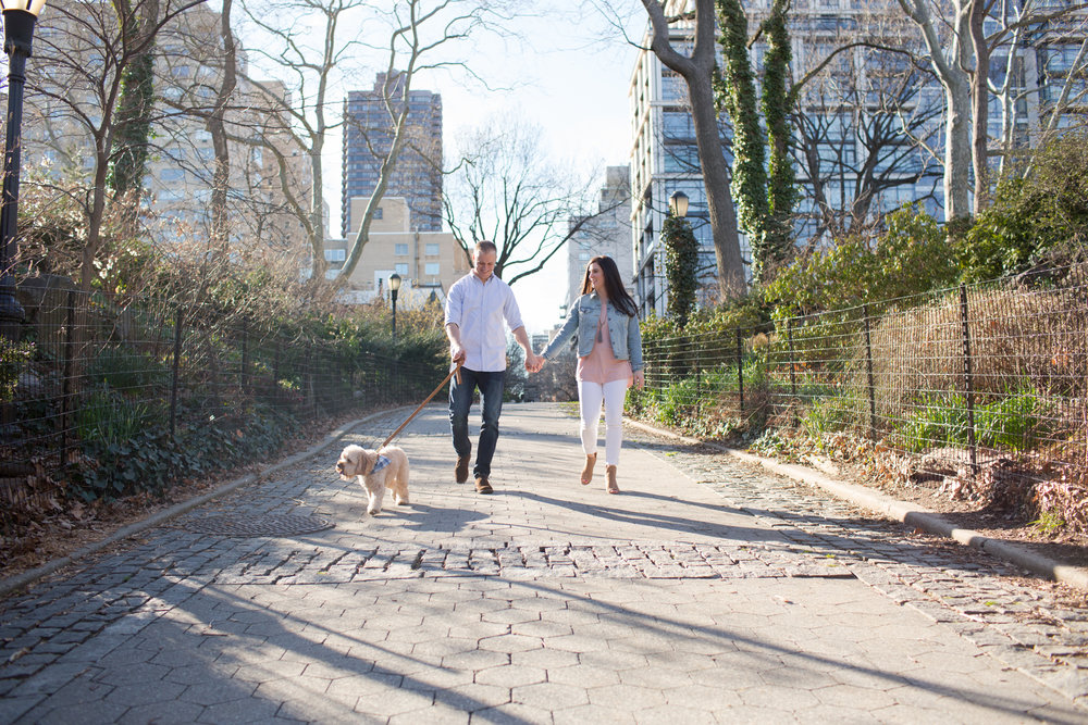 TaylorLaurenBarker-nyc-puppy-engagement-session-1.jpg