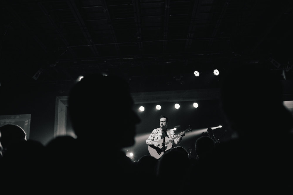 TaylorLaurenBarker-concert-photographer-Parachute-7.jpg