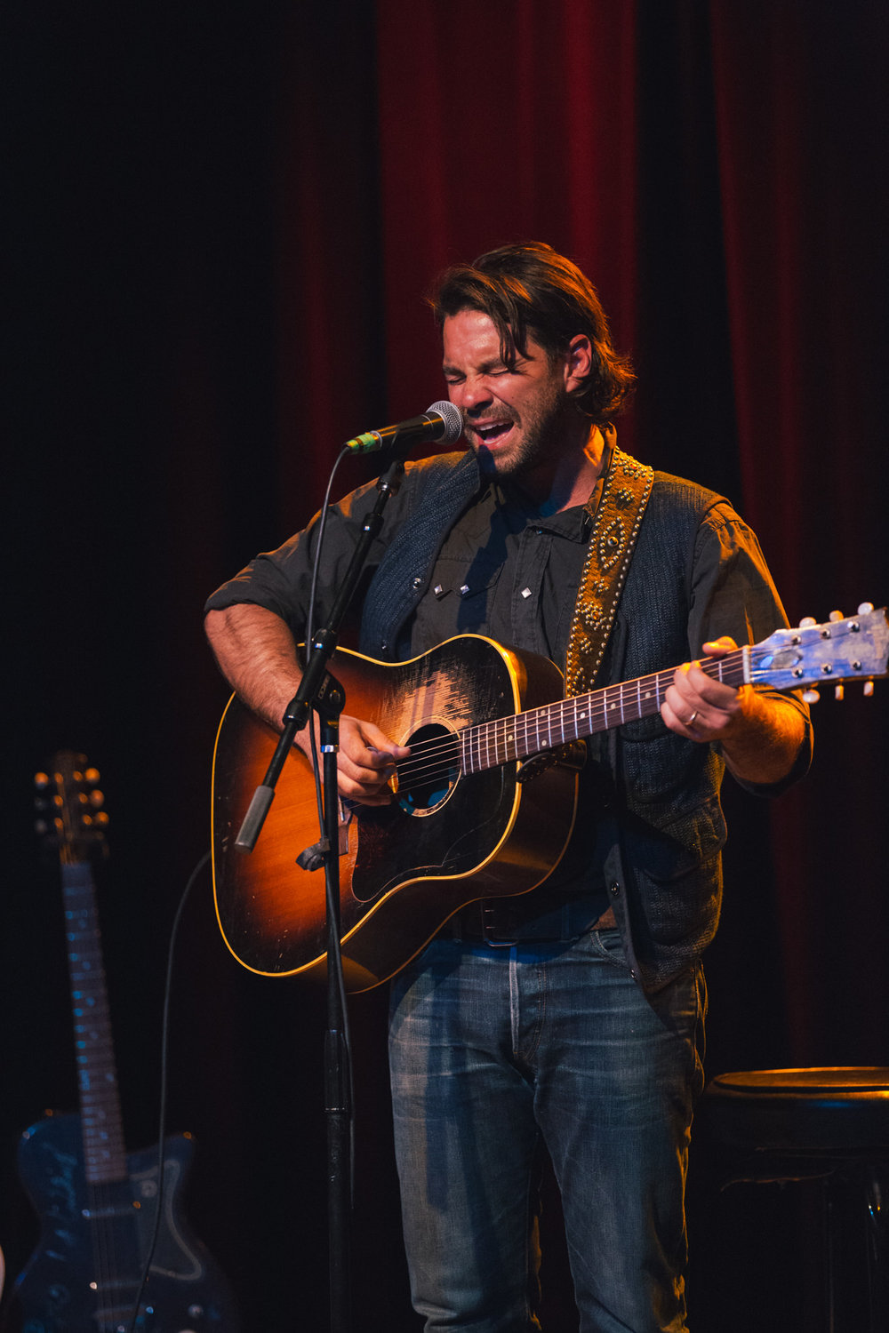Taylor-Lauren-Barker-Zach-Williams-The-Lone-Bellow-concert-photography-3.jpg