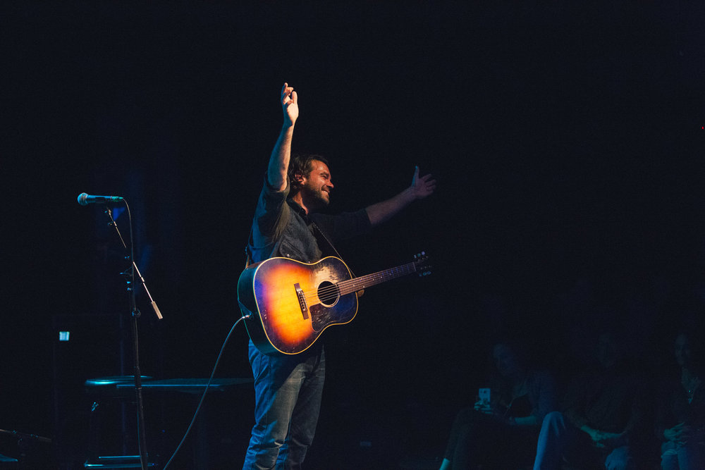 Taylor-Lauren-Barker-Zach-Williams-The-Lone-Bellow-concert-photography-10.jpg