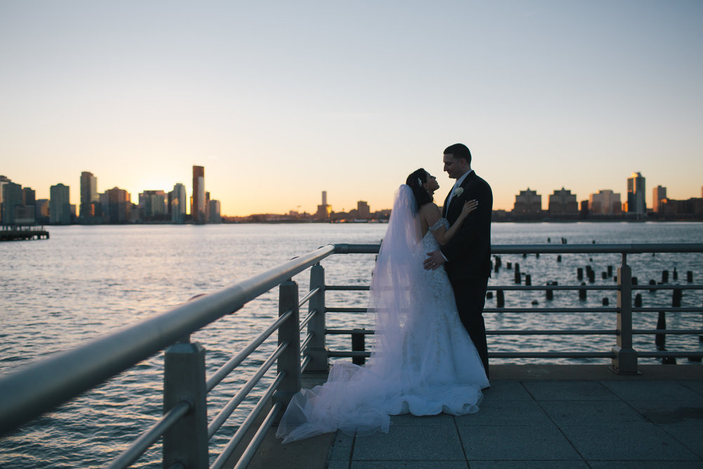intimate-winter-sunset-NYC-wedding-9.jpg