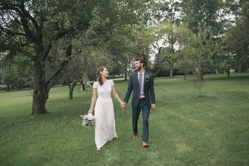 intimate-backyard-wedding-upstate-new-york-wedding