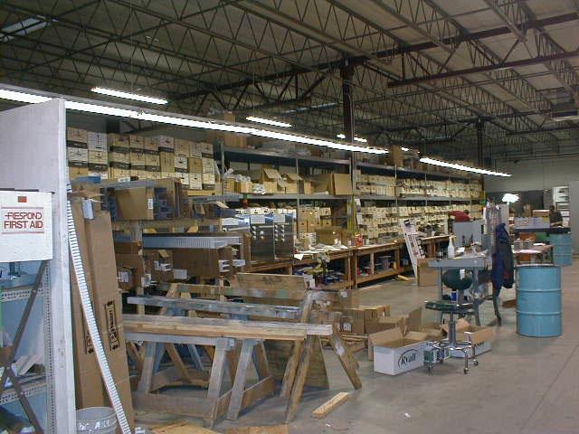 UCEC Shop, 2004