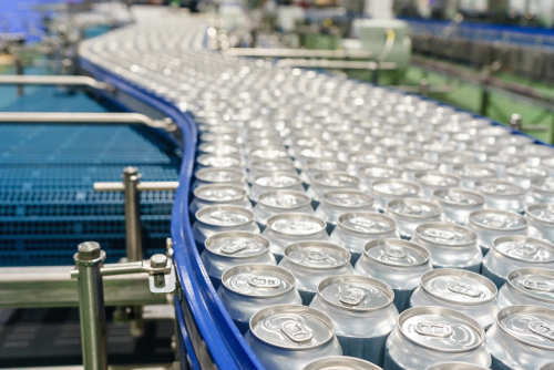 Food and Beverage Conveyer with Cans
