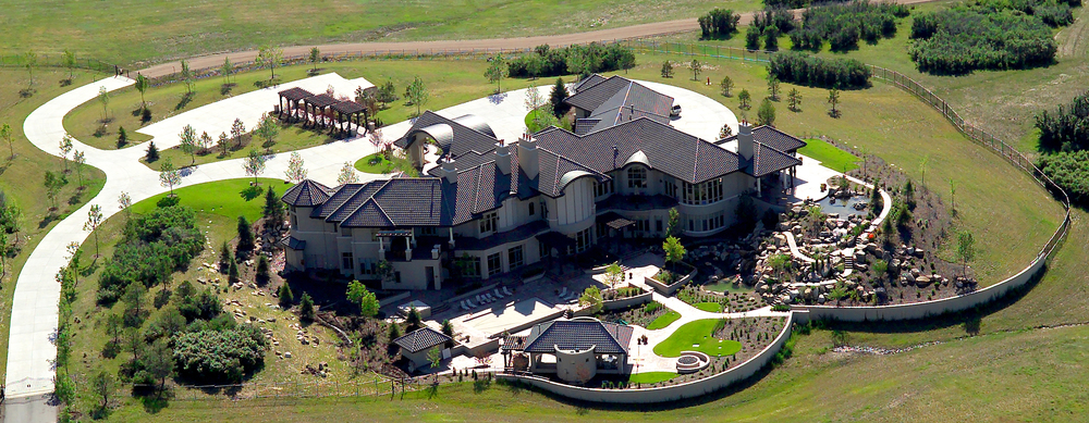 Aerial Photography     Residential Relators® know that aerial photos help Sell their listings. Great aerial image helps sell the property faster giving the seller and agent more profit, a low quality aerial that doesn't properly highlight the features of a home can have the opposite effect. Using the web and getting more exposure helps. Realtors® have come to count on photographers to provide images that get their listings noticed and SOLD!
