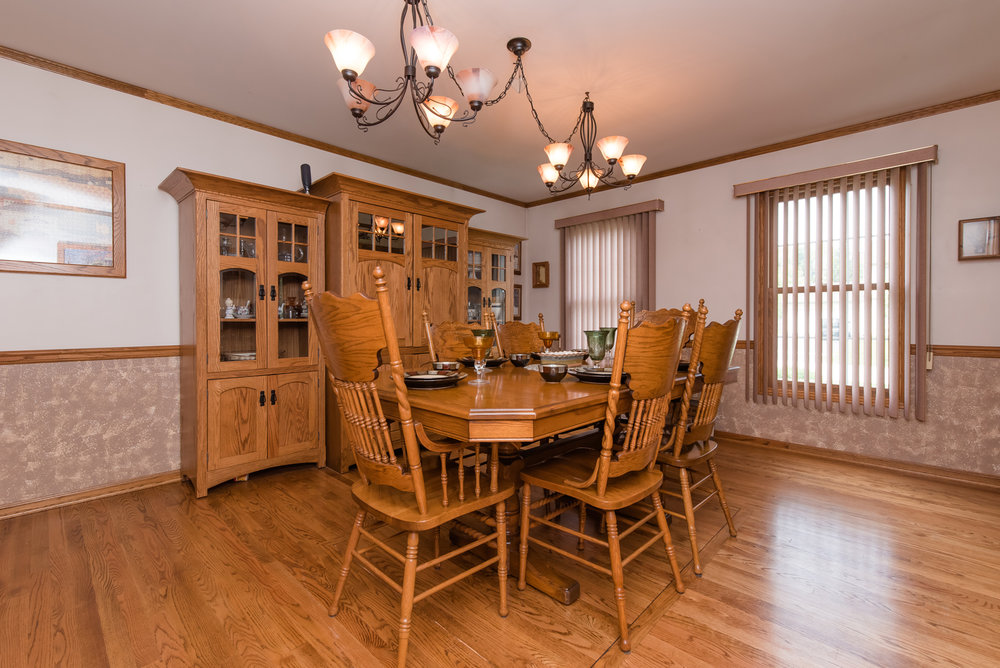 Dining Room - Make sure all the floors, especially hardwood are cleaned and carpet is freshly vacuumedSet the table and have a centerpiece, fresh flowers are always a great choice for thisHave all chairs even and pushed in neatly