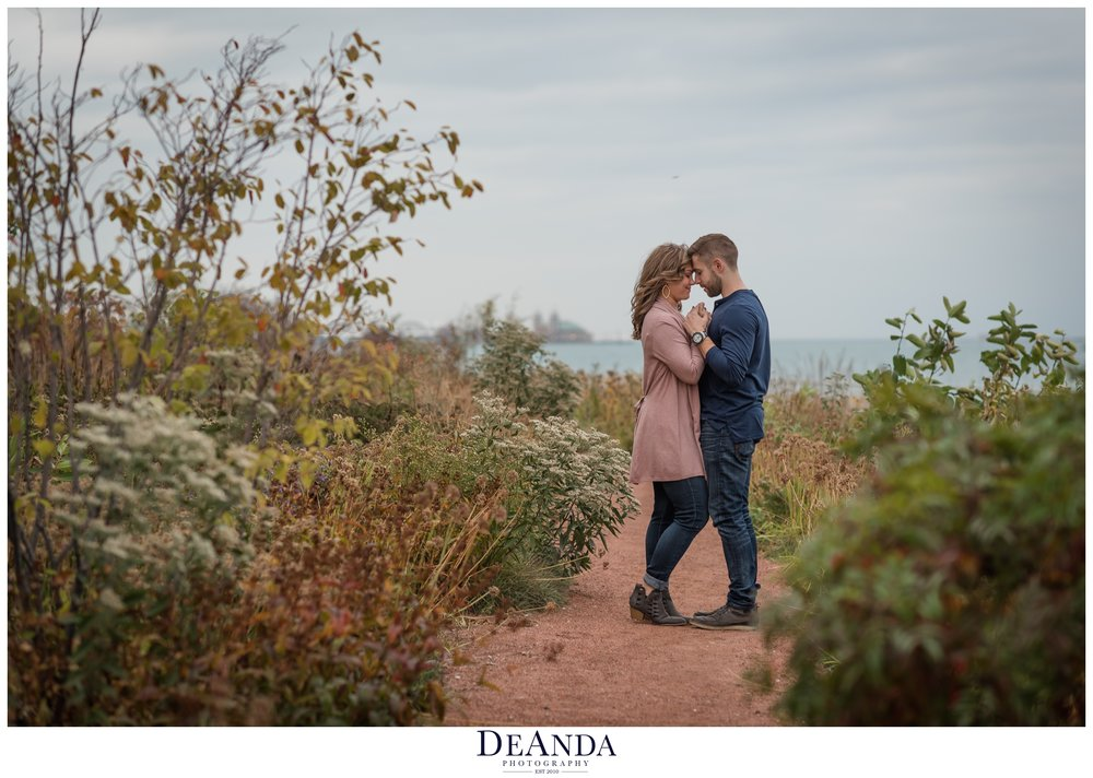 chicago engagement session photo near shed aquarium