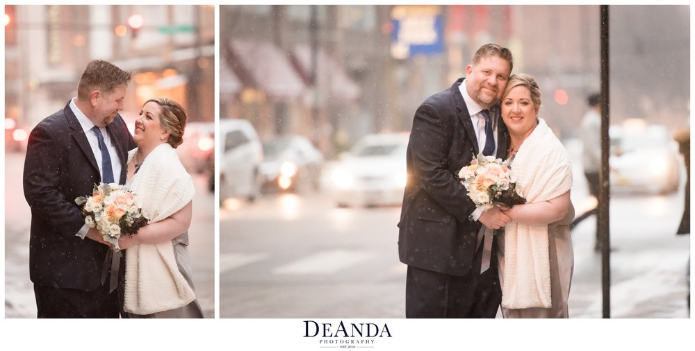 urban wedding winter photo in Chicago