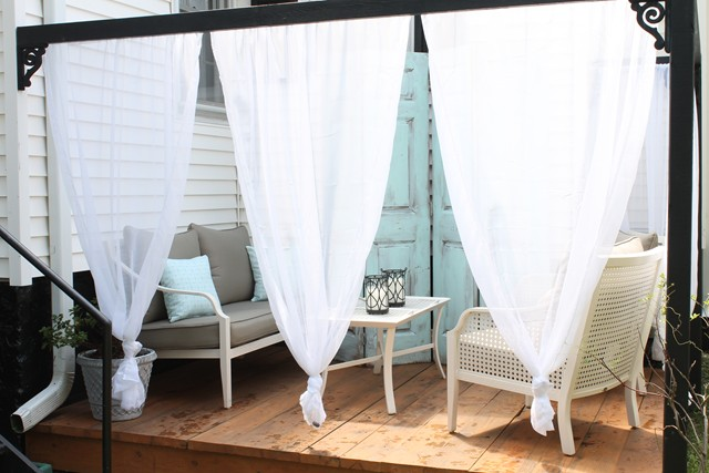 DIY OUTDOOR CABANA WITH CURTAINS