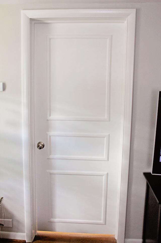 Diy door trim for plain doors brooklyn house elizabeth for Door moulding