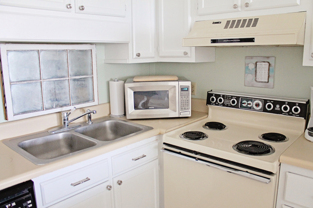 Admirable Kitchen Before And After Sea Spray Condo Elizabeth Burns Largest Home Design Picture Inspirations Pitcheantrous