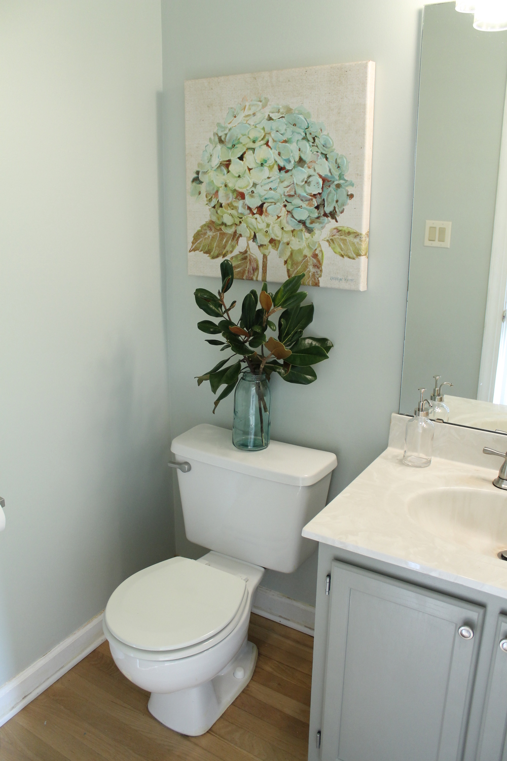 Elizabeth Burns Desgin | Budget Friendly Powder Room Makeover for $200