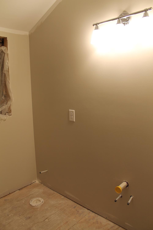 Elizabeth Burns Design | Bathroom Renovation on a Budget - diy subway tile, craigslist vanity, SW Agreeable Gray, vinyl flooring