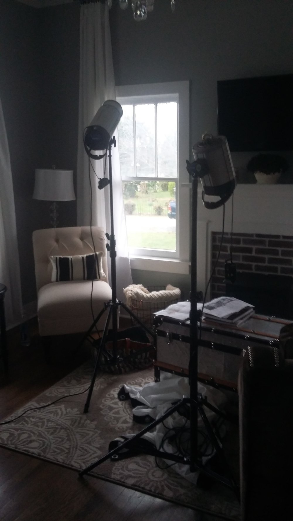 Behind the scenes of a home decor magazine photo shoot 6