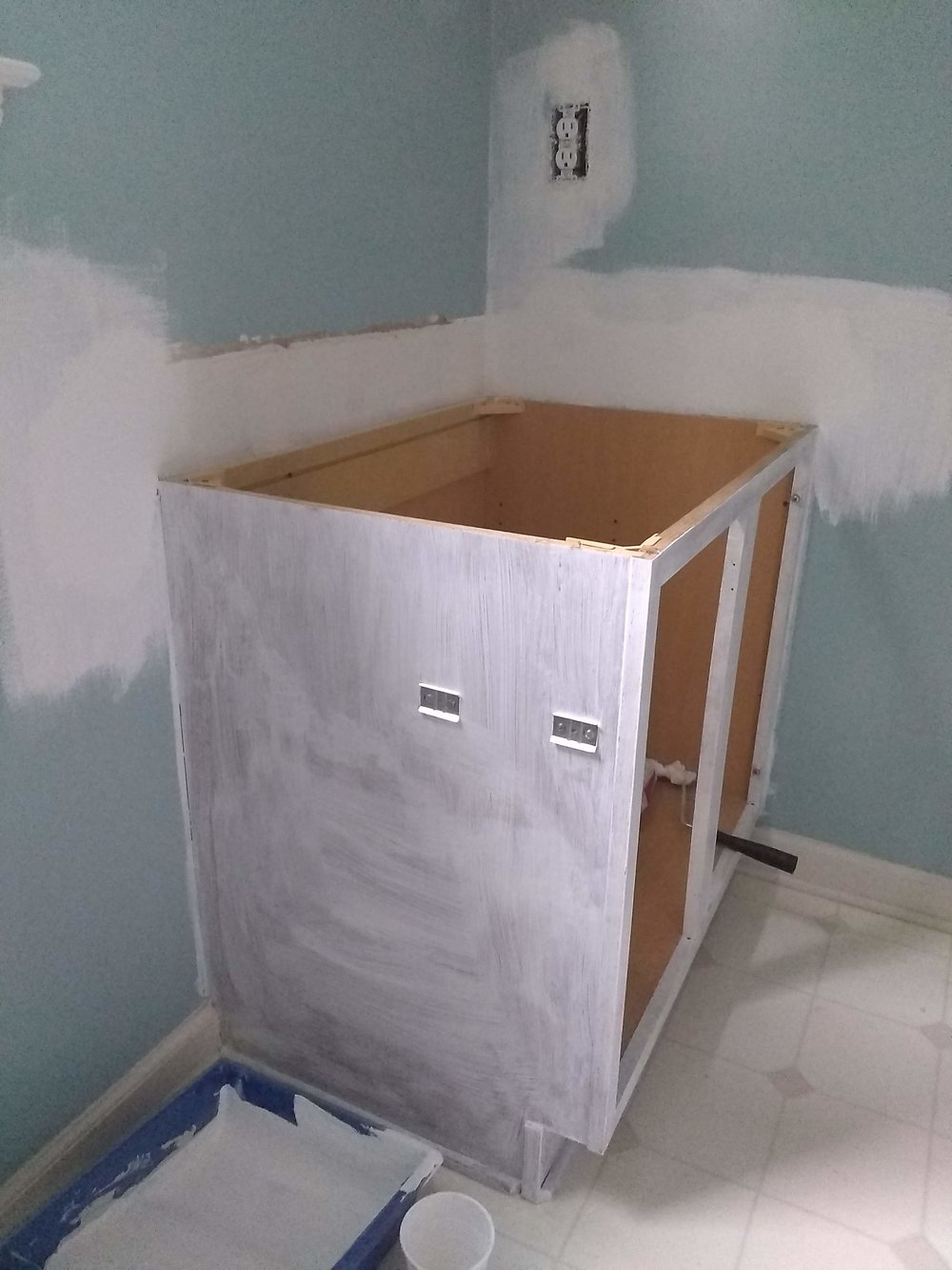 Elizabeth Burns Design | How to Paint a Vanity without Paint Chipping 2