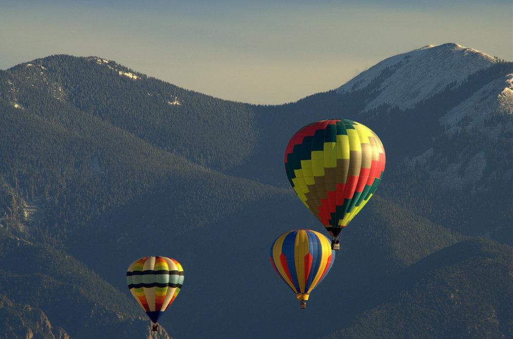 Taos Mtn Balloon Rally.jpg