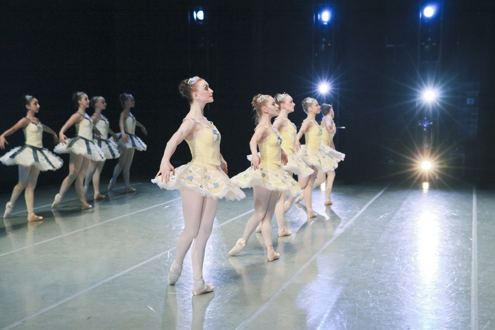 ballet chicago divertimento no 15 shea smith
