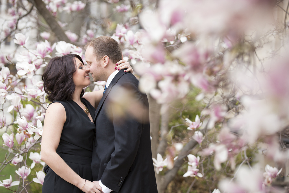 spring engagement magnolia daighna photography.jpg