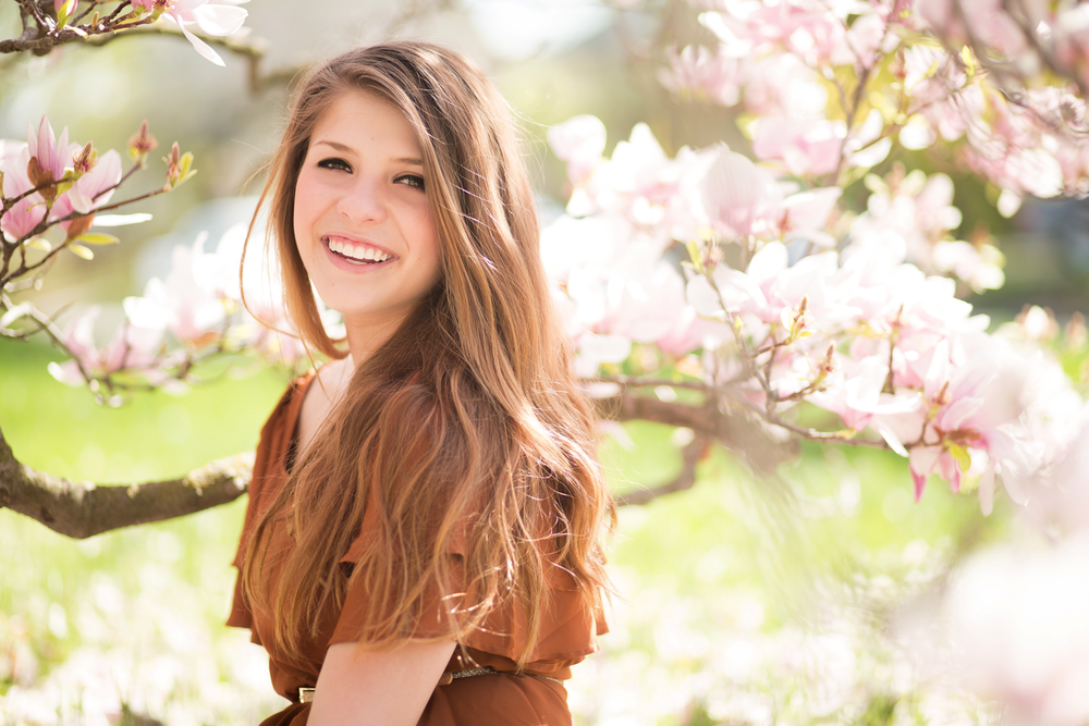 senior-cute-flowers-ann-arbor-daighna-photography.png