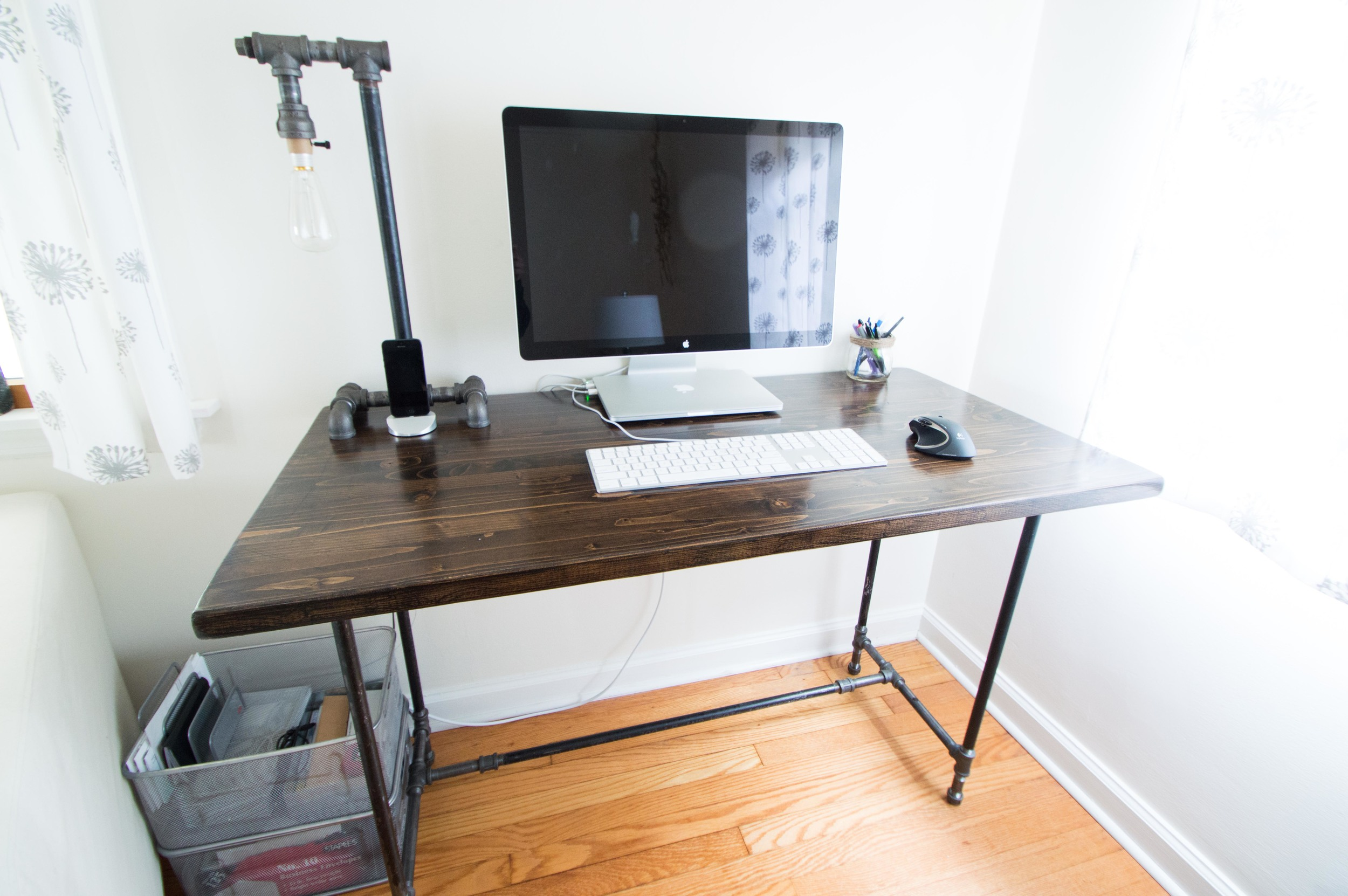 Diy Industrial Desk Industrial Pipe Desk The Columbus Agent