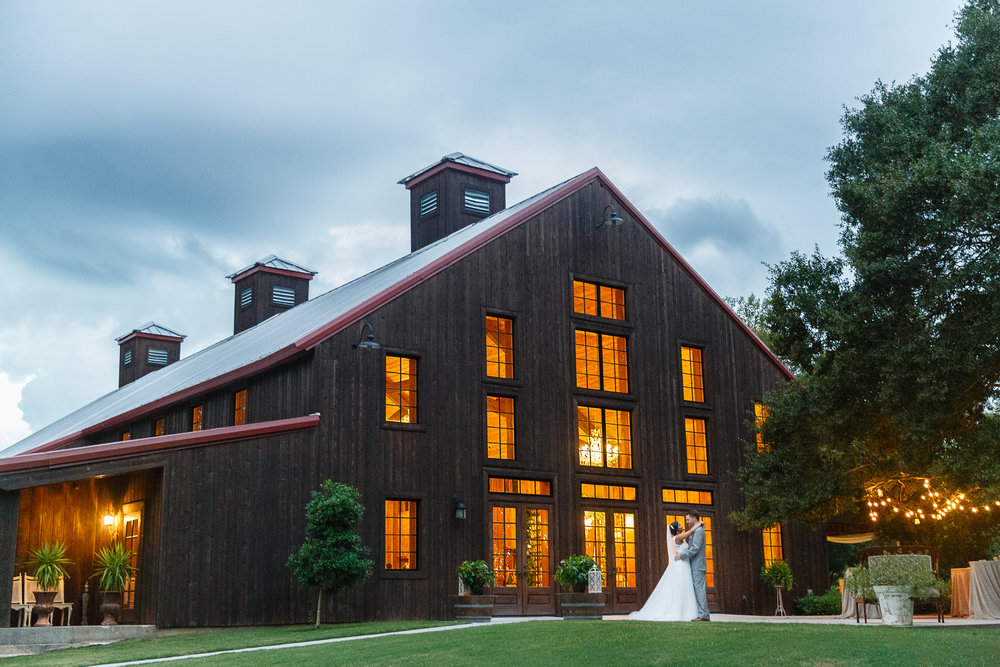 C-Baron-Photo-Carriage-House-Alicia-Jake-without watermark 496.jpg