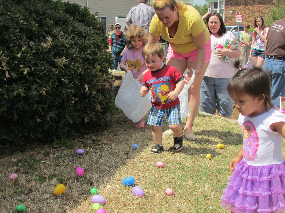 ISA 2014 Easter Egg Hunt_032.JPG