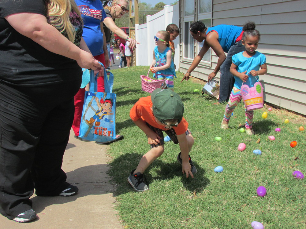 ISA 2014 Easter Egg Hunt_038.JPG