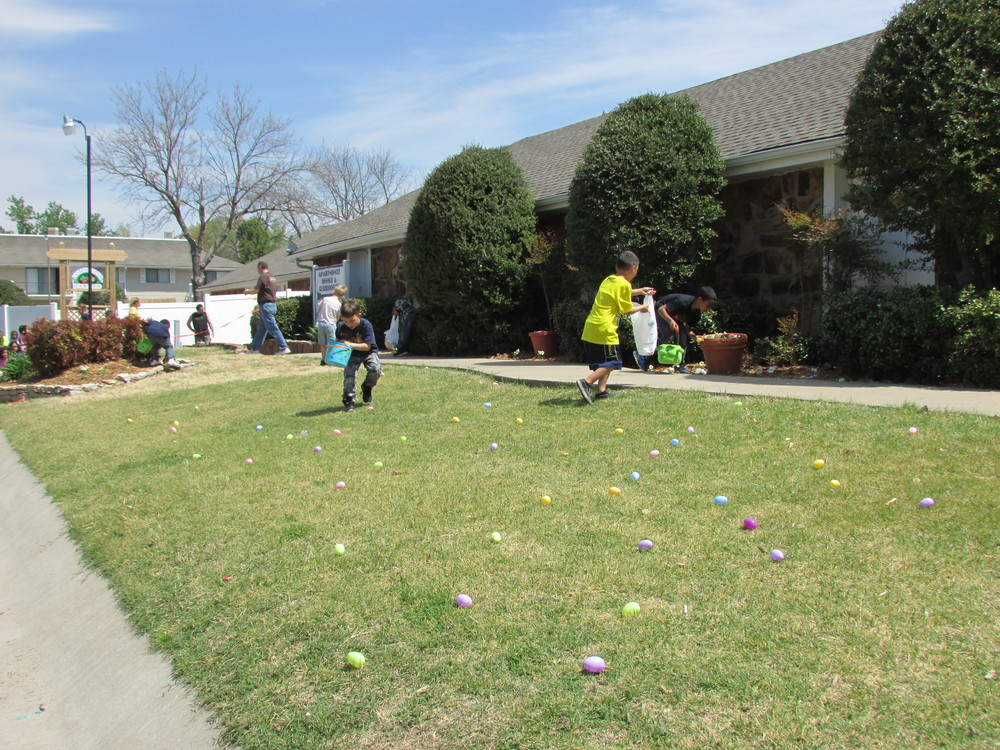 ISA 2014 Easter Egg Hunt_077.JPG
