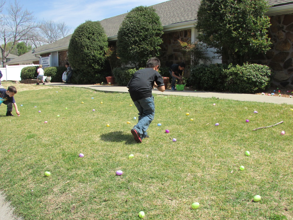 ISA 2014 Easter Egg Hunt_078.JPG