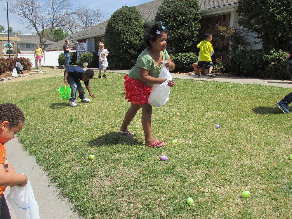 ISA 2014 Easter Egg Hunt_080.JPG