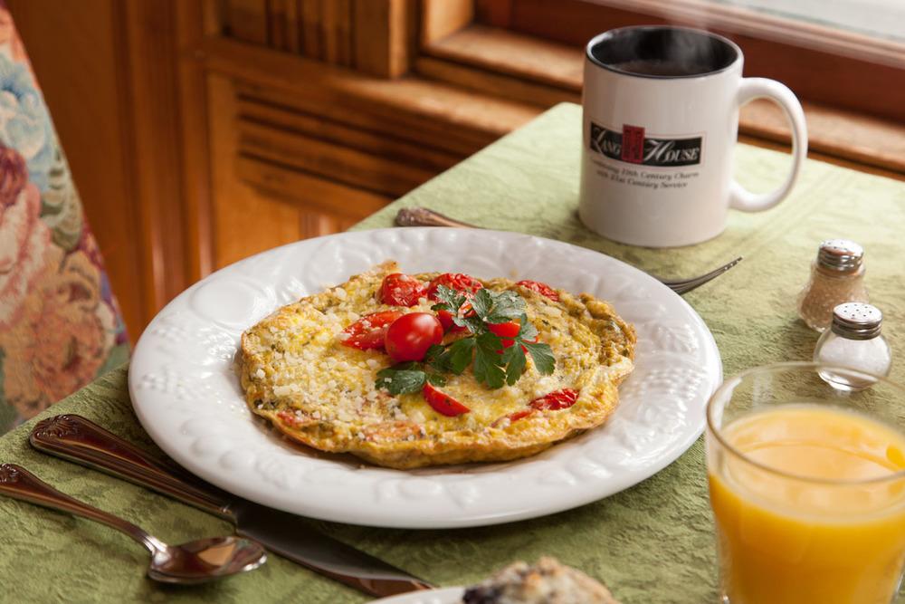 Gourmet Breakfast, Lang House on Main Street