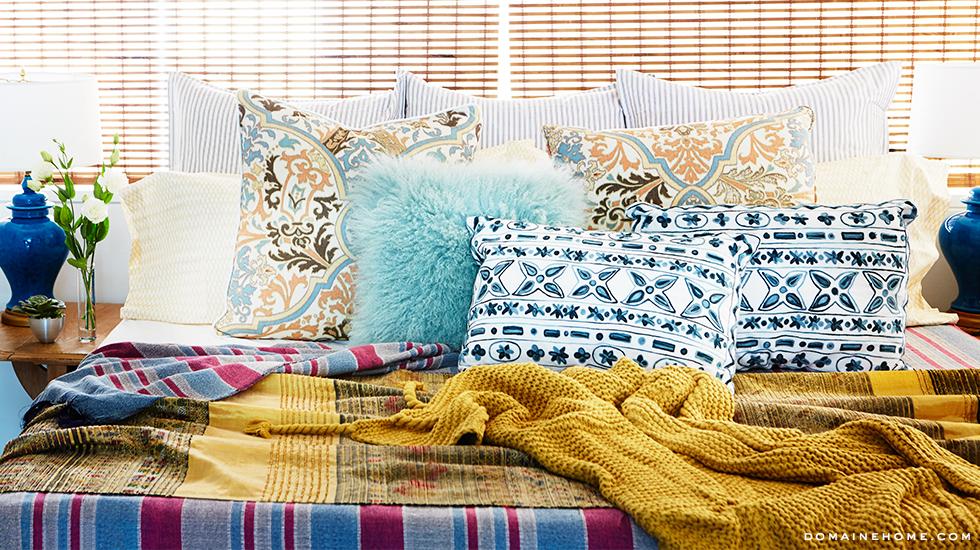 5-bedroom-pillows-blankets-inspiring-whitney-port-home-tour-venice-domaine-home.jpg