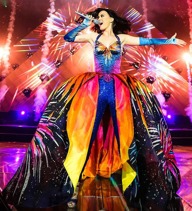 ce0a9890-d69c-11e3-952e-47524675ffda_katy-perry-prism-tour-costumes-4.jpg
