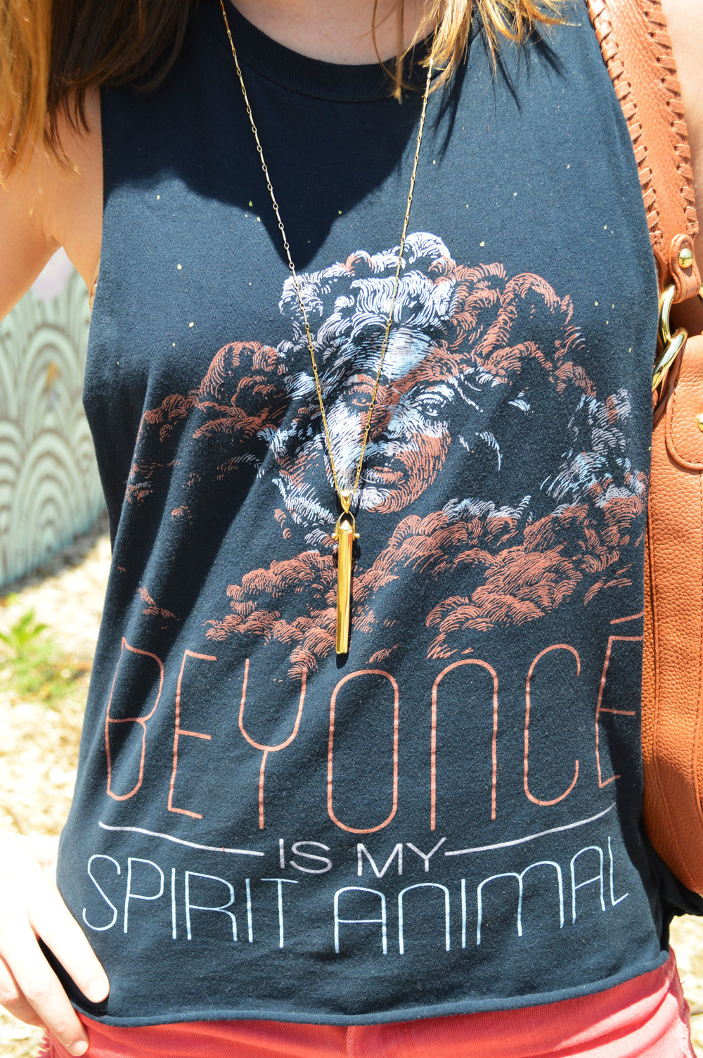 Beyonce-Spirit-Animal-Shirt-Atlanta-OOTD-forever21-coral-denim-shorts-style-blogger-travel-casual.jpeg