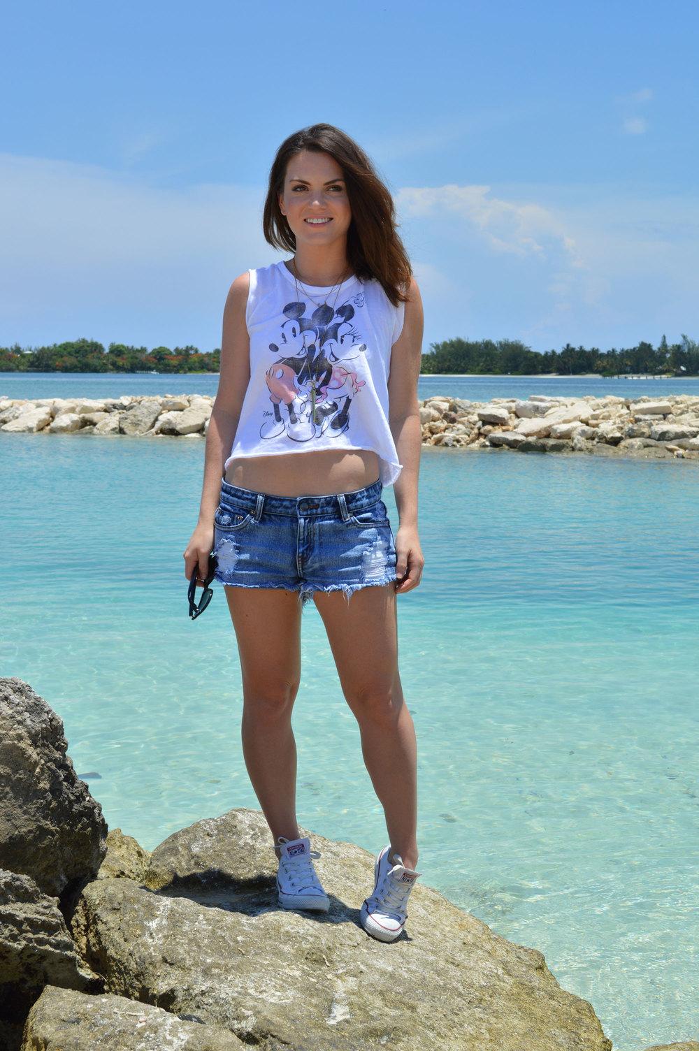 junk-food-minnnie-mickey-crop-tank-forever21-denim-shorts-cutoffs-beach-nassau-bahamas-lyford-cay-lilac-lillies-boutique-style-blogger.jpeg