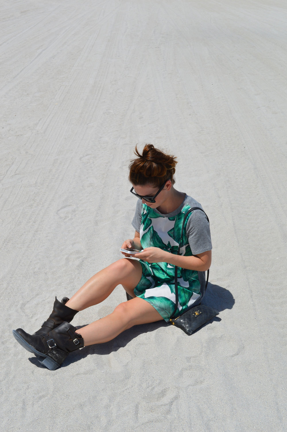 cameo-the-label-printed-palm-t-shirt-dress-frye-boots-style-blogger-miami-florida-south-beach.jpeg