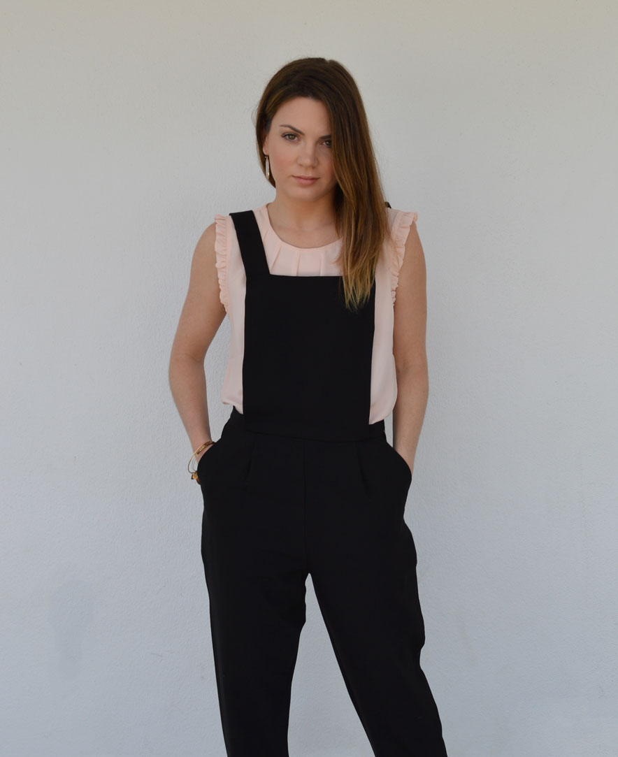 How-To-Wear-Overalls-to-Work-dressing-up-lifestyle-style-blogger-black-pink-forever21-lamb-nassau-bahamas.jpeg