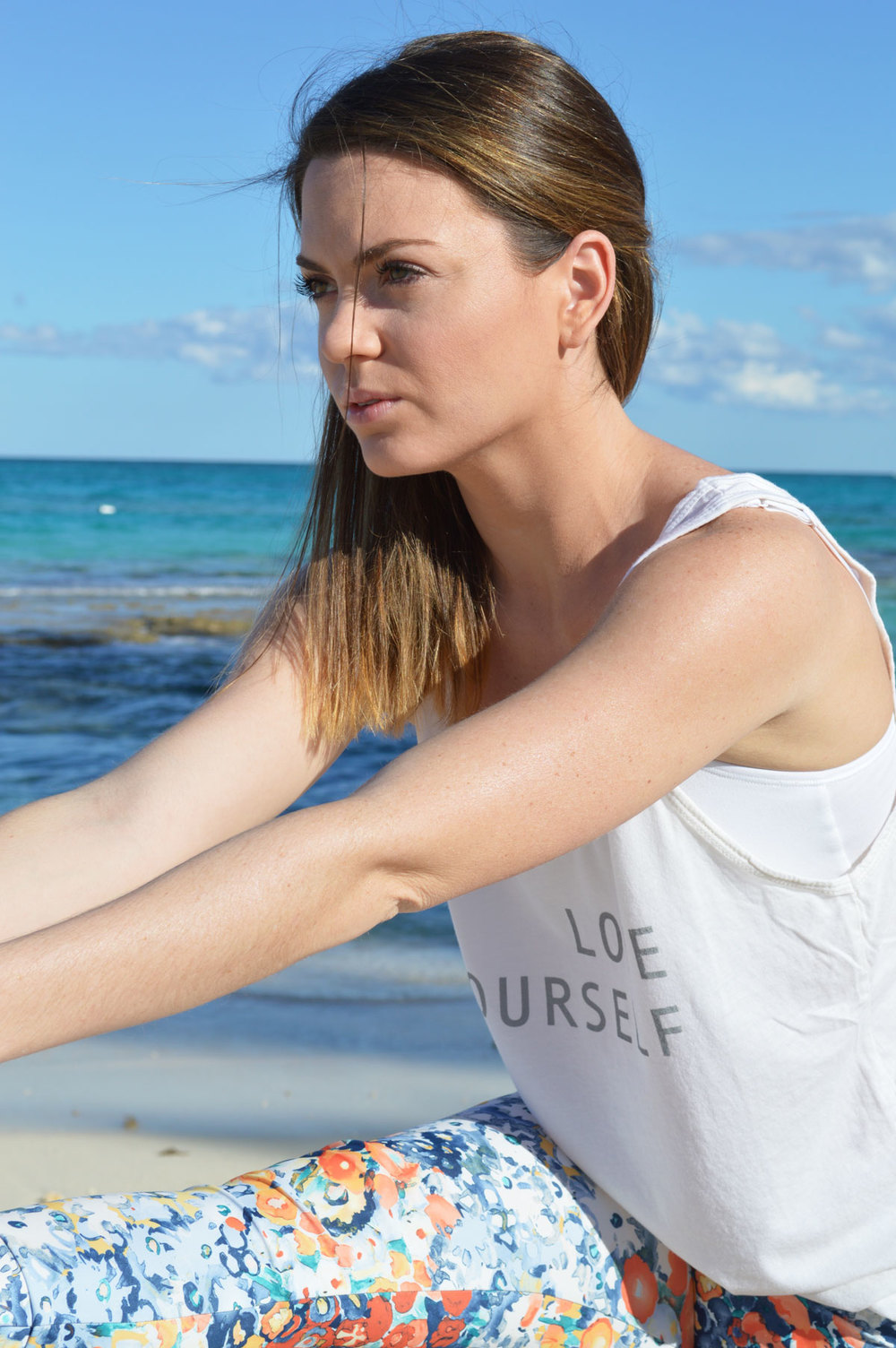 Yoga-outlet-jala-clothing-best-yoga-pants-good-hyouman-love-tank-soft-lifestyle-blogger-nassau-bahamas.jpeg
