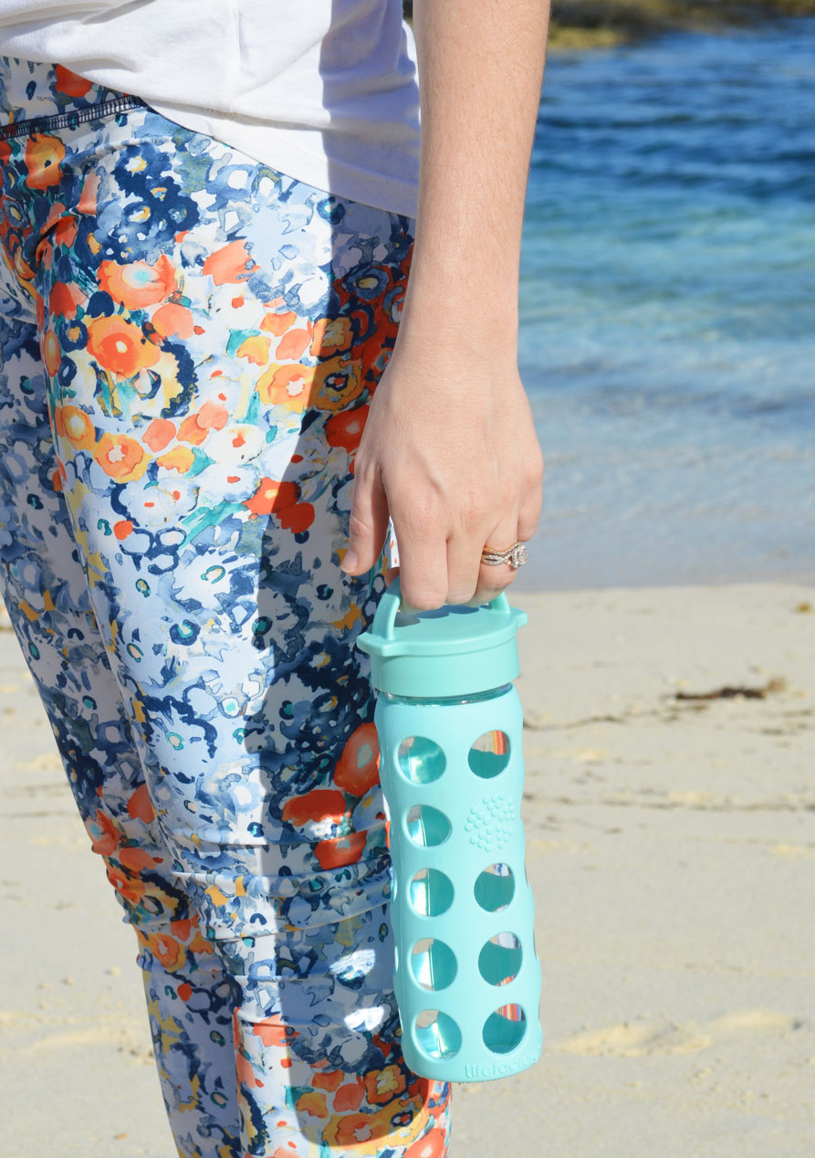 best-yoga-pants-jala-clothing-glass-water-bottle-yoga-outlet-nassau-bahamas-lifestyle-blogger-2014.jpeg