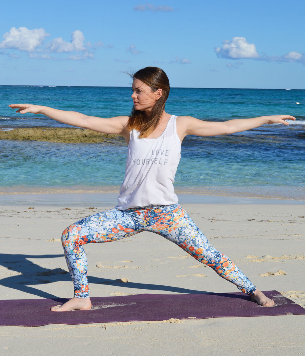 Yoga-outlet-jala-clothing-best-yoga-pants-good-hyouman-love-tank-softest-lifestyle-blogger-nassau-bahamas-beach.jpeg