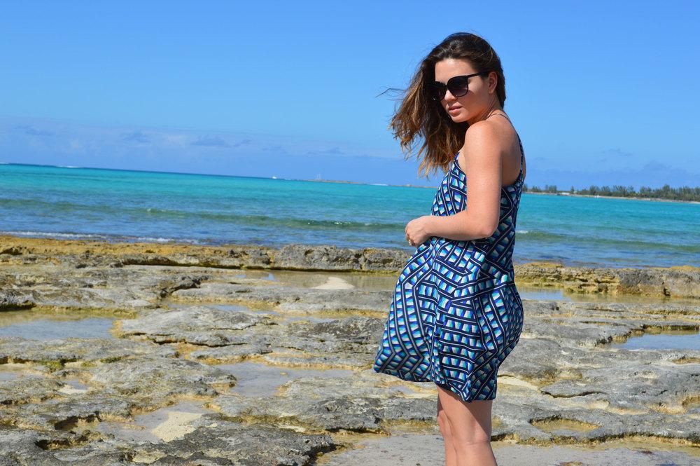 forever21-fx21-blue-printed-sundress-fantaseyes-sunglasseseasy-style-spring-summer-favorite-nassau-bahamas-top-style-blog.jpeg