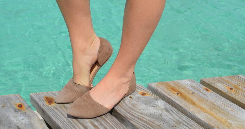 Dock-Casual-Nassau-Bahamas-Style-Blogger-Forever21-Lucky-brand-Shorts-riley.jpeg