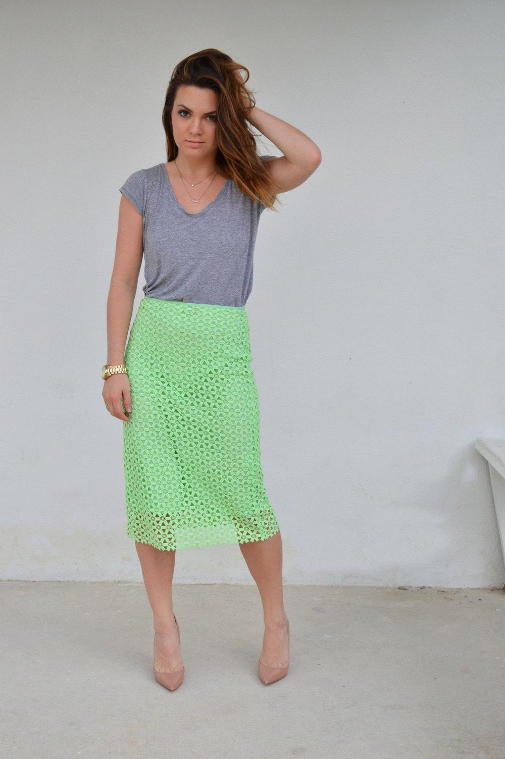 Zara Green Pencil Skirt Summer Staple HM shirt Christian Louboutin Heels Spring Blog Blogger Nassau Bahamas Miami