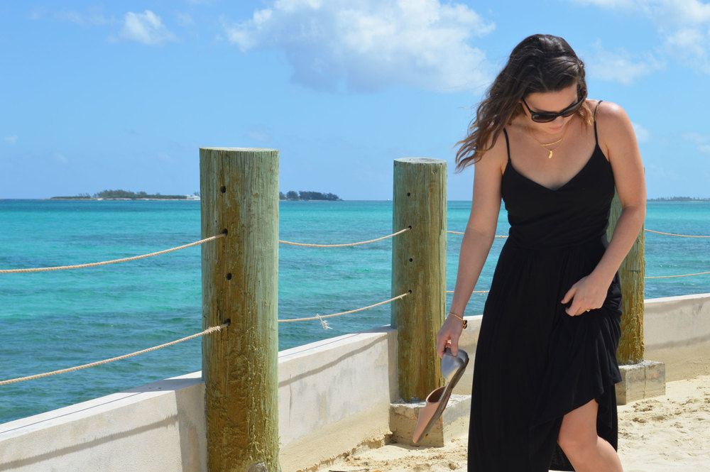 Ray-Ban-Cat Sunglasses-Nassau-Bahamas-Top-Style-FromCtoC-Gorjana-Necklace-black-GAP-sundress-Old-Navy-DOrsay-Rocksbox.jpeg